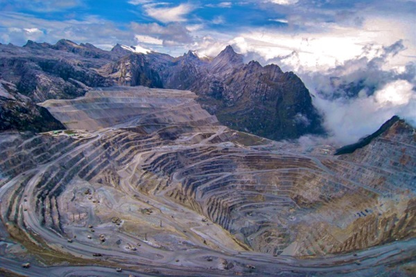 freeport-indonesia-reach-preliminary-deal-over-copper-exports-www.mining.com